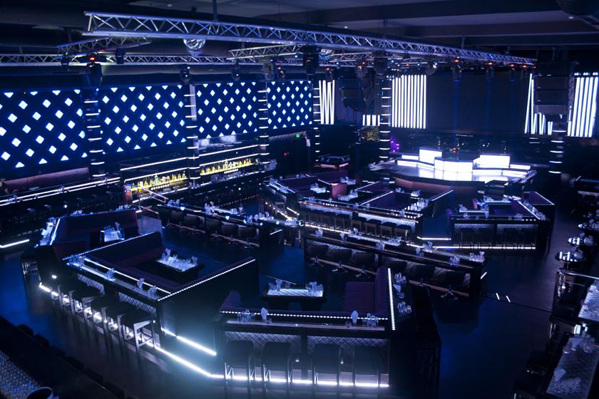 GALAXY LIVE CLUB осветление