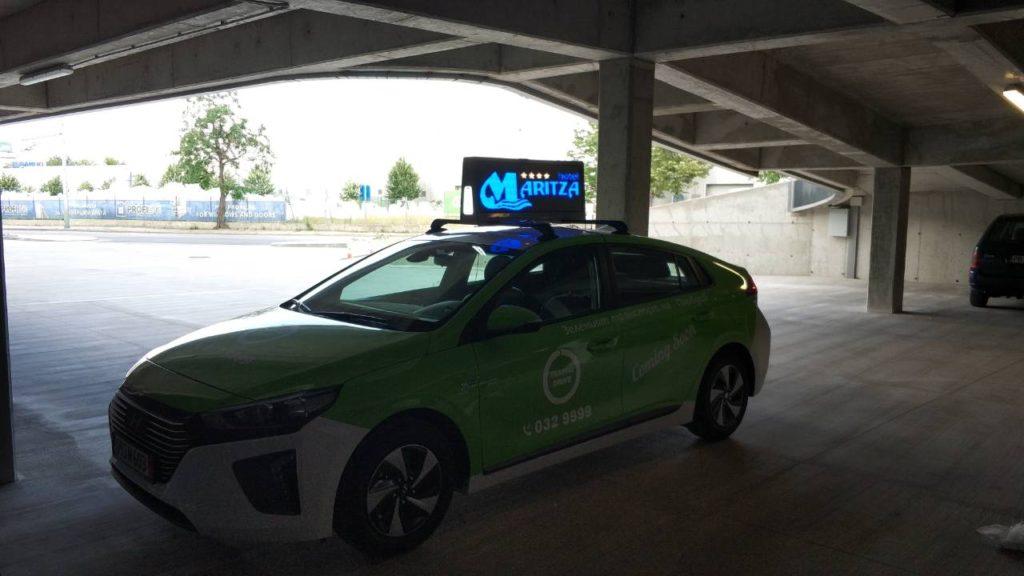 LED екран такси