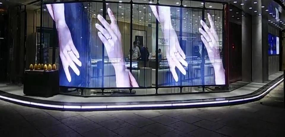 LED-transparent-screen (2)