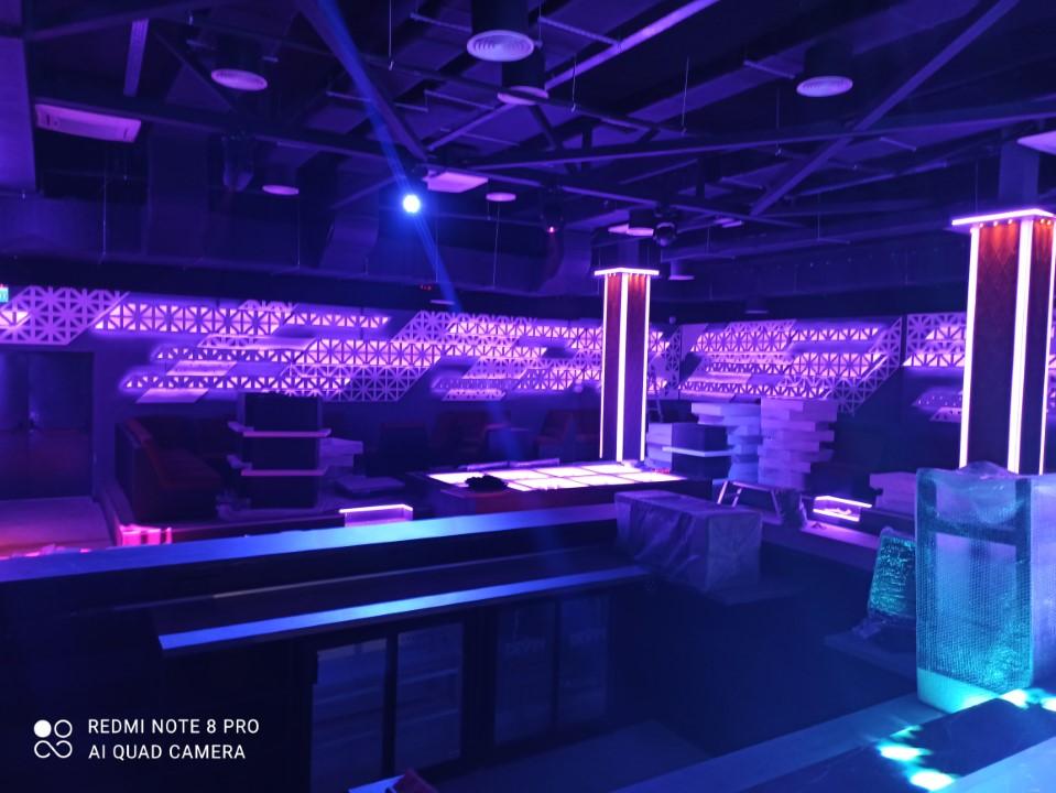 Дискотечно осветление и LED екрани