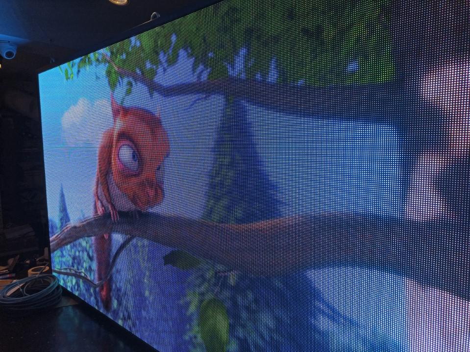 LED екран Р4 за работа на открито